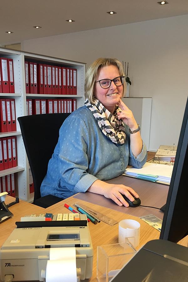 Teamwork in der sympathische Steuerberatungskanzlei. Finanzbuchhaltung, Bilanz, Steuererklärung by Steuerberatung Schulte, Steuerberater in Essen