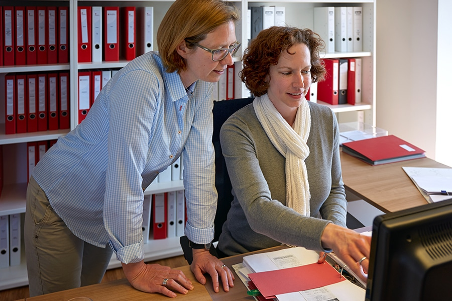 Steuerexpertin. Finanzbuchhaltung, Bilanz, Steuererklärung by Steuerberatung Schulte, Steuerberater in Essen